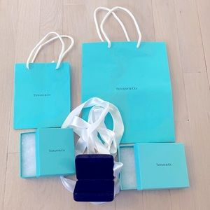 Tiffany & Co Gift Bags, & Fine Jewelry Gift Boxes